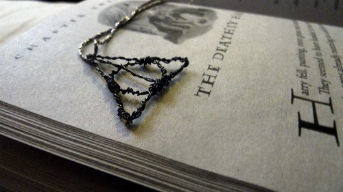 55954415015 - 394horcruxes deathly hallows pendant ii by