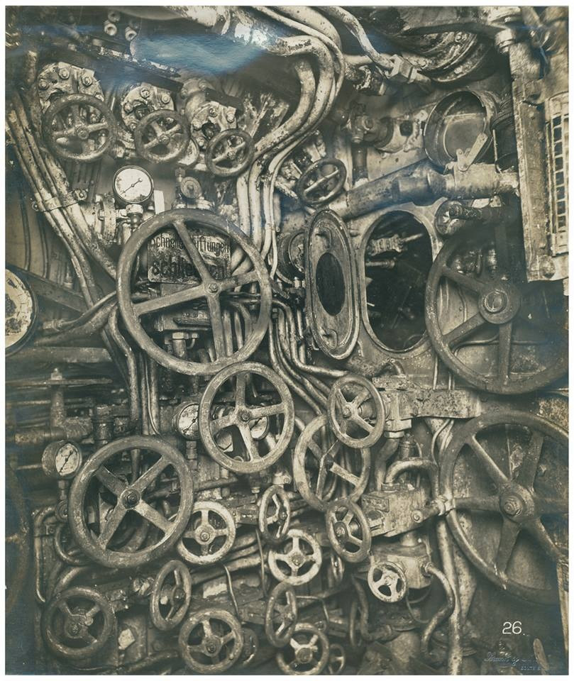 61355582096 - operatory5 interior of a german submarine ca