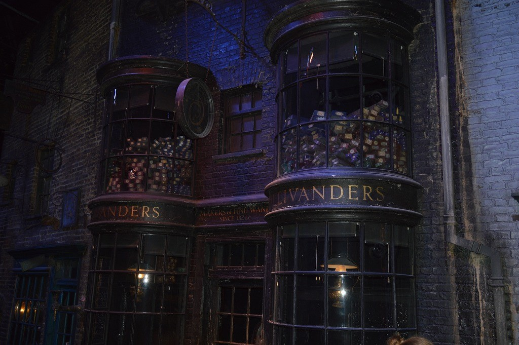 56253821668 - 394horcruxes london01 21 want to buy a wand